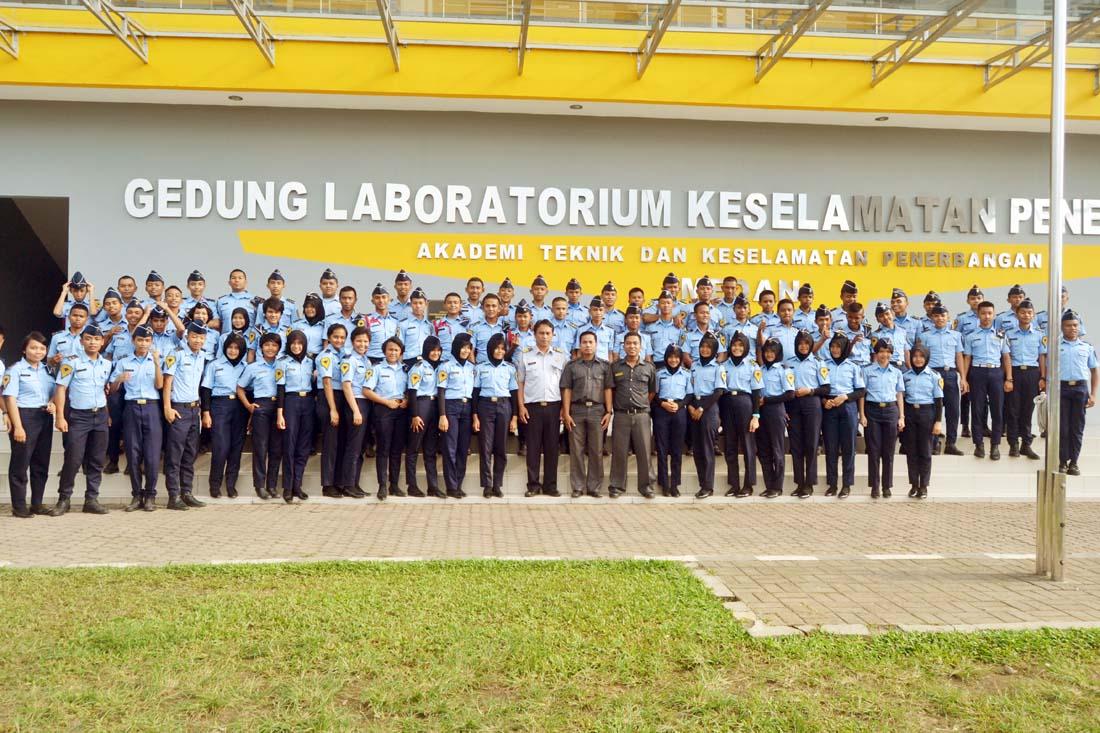 Akreditasi Sekolah Menengah Kejuruan Http Www Nusabhakti Com Sekolah Menengah Kejuruan Nusa